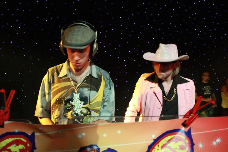Foutief DJ Collectief in Dieka, Markelo, 26-12-2009 13