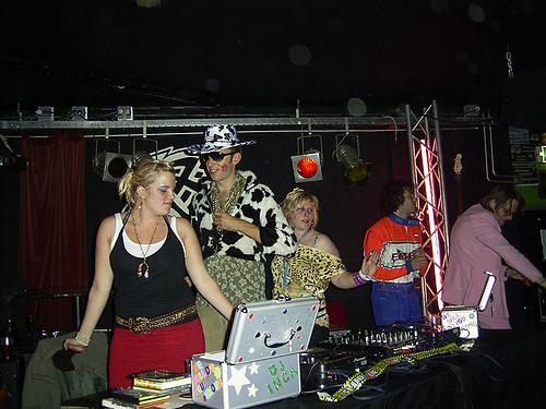 Foutief DJ Collectief aan het werk