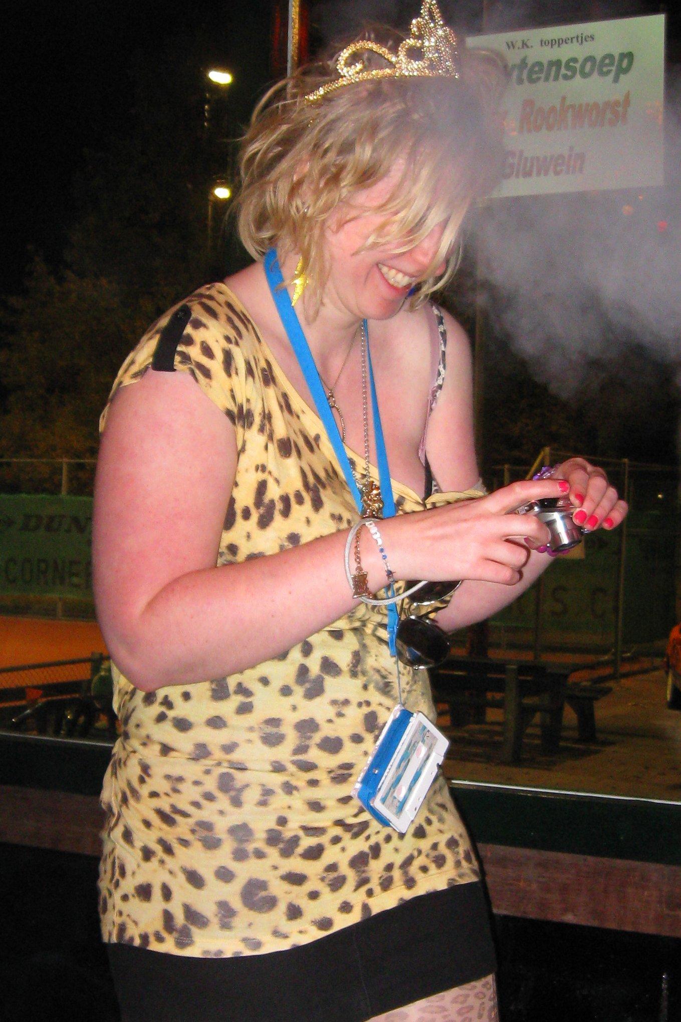 """DJ Helga """"Fotografe"""" von Rabenstein @ TV Cromwijck 30102009"""