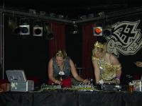 Helga & Inga K77