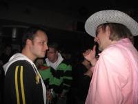 Een foute DJ is nooit te goed voor een woord met een fan @ TV Cromwijck 30102009